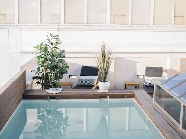 LUXURY APARTMENT WITH BALCONY CENTER OF SEVILLE