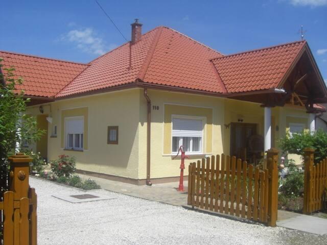 Spacious house with big garden close to beach
