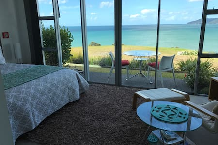 Arrive, Relax, Rejuvenate @ Cable Bay Studio Villa - Cable Bay - Villa