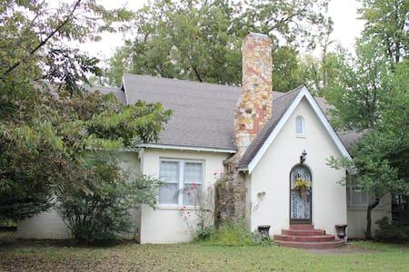 Cara's Cedar Cottage