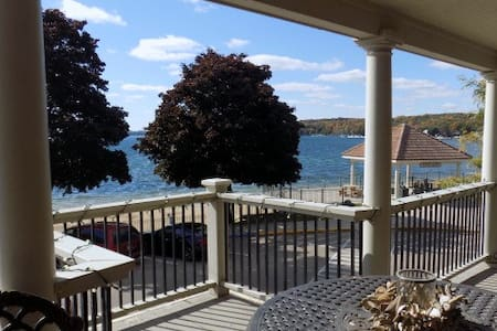 Wrigley Beach House - Lake Geneva - Apartamento