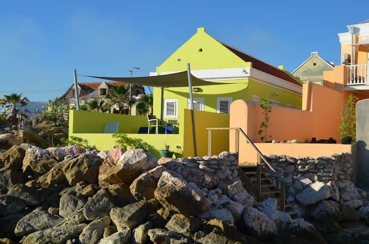 Dushi Pietermaai Apartments- AQUA/Beachfront