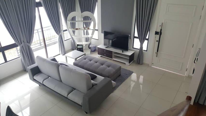 Luxury Homestay @ Nusajaya (Entire Home) - Nusajaya - Casa