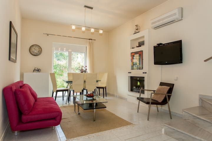 AMAZING CONFORTABLE 2 BEDROOM HOUSE IN CHANIA - Pithari - Rumah