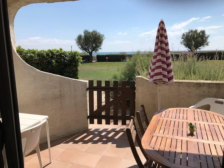 Apartment, direct sea access, terrace, pool