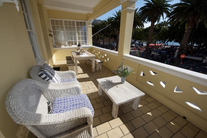 Luxury apartment on Jubilee Square, Simon's Town