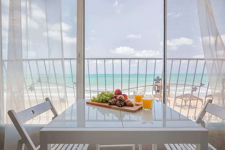 Brand new, luxurious vacation apartment rental.