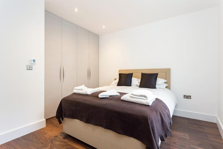 Modern Bedroom in heart of London