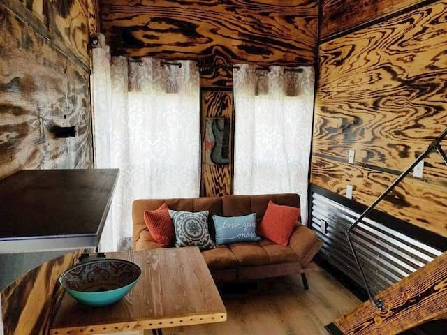 Unique, full of charm, TINY HOUSE! Austin in 30