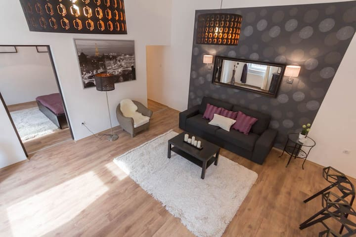 Hi5 Apartments 66. - Luxury 1 br. ap in the center