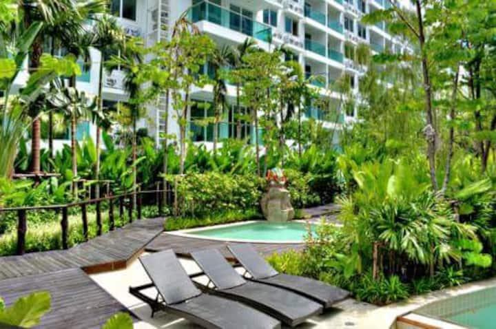 High standard luxury apartment close to beach