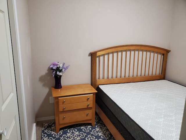 Furnished Bedroom available. 1 of 2 in pinnacle