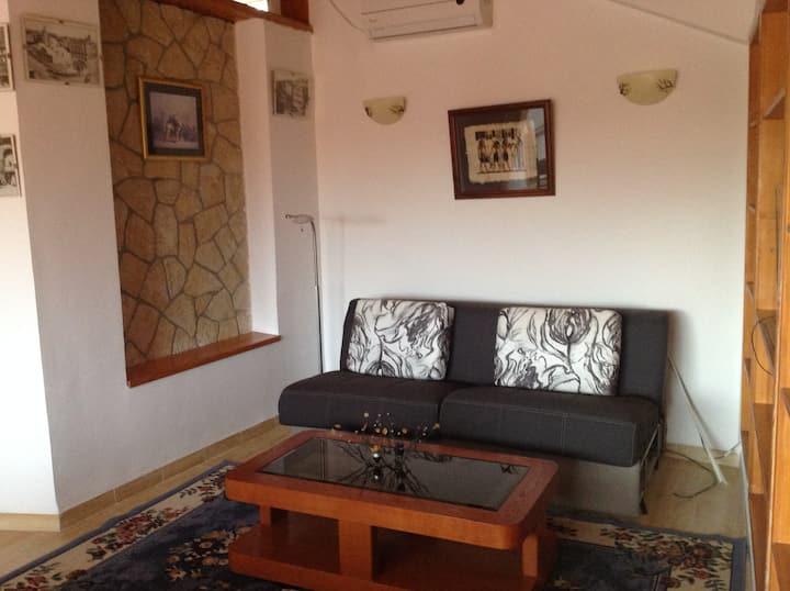 Bel appartement T3 avec piscine à Bir Mourad Rais