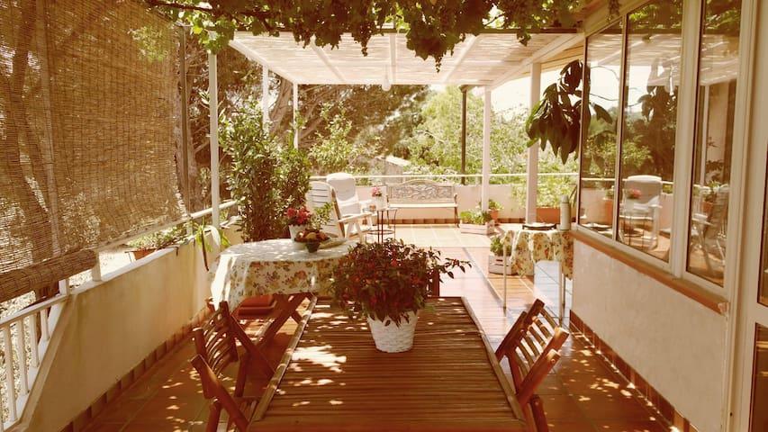 Tranquilla e luminosa camera con terrazzo. - Modica - House