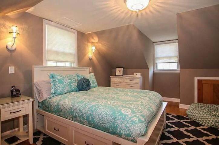 Nakoma Delight 2 Bedroom - Madison - Talo