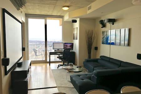 21st Floor Luxury Apartment on Rainey St - Austin