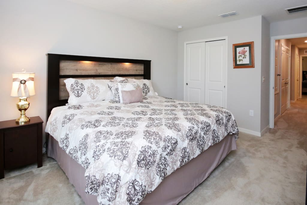 Master Bedroom w/ KingSize Bed