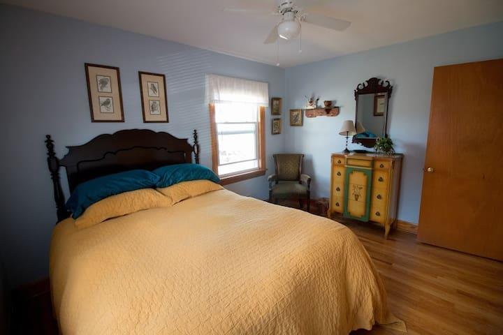 Back Bedroom with Queen Bed