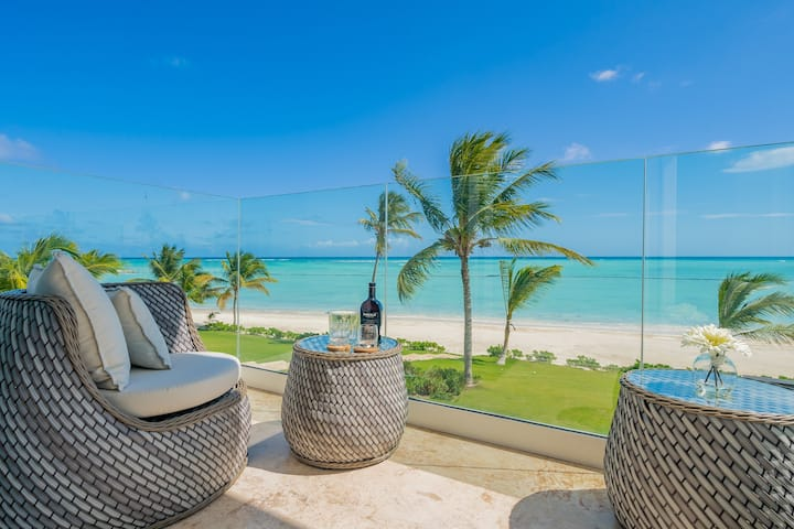 Stunning Beachfront Condo with Private Beach