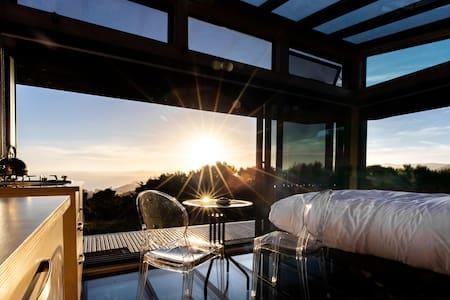 Korimako PurePod - glass eco-cabin, stunning views