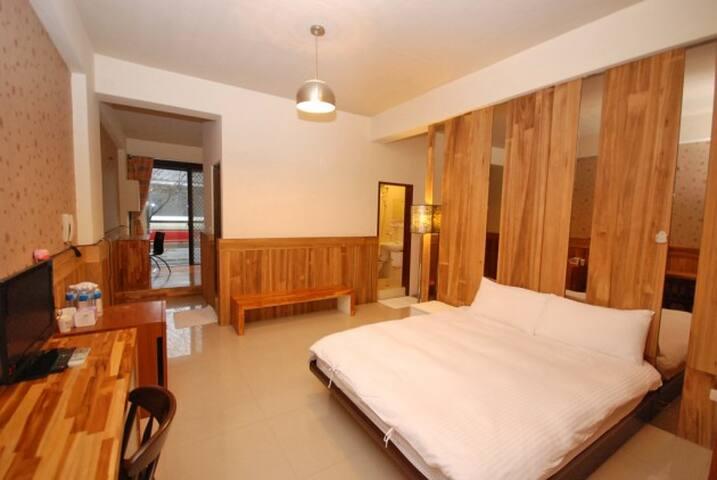 三義行館-高雅櫻景四人房 - Sanyi Township - Bed & Breakfast