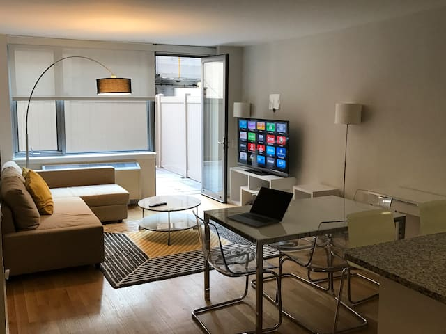 Chelsea Luxury One Bedroom with private terrace