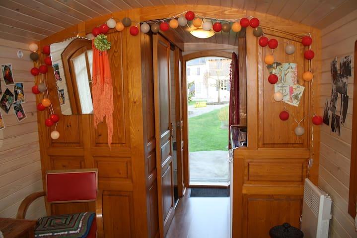Les roulottes de la Baie de Somme (Gipsy Caravans) - Saigneville - Bed & Breakfast