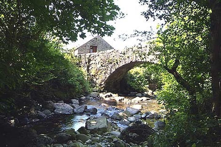 Whillan Beck 4* Cottage, Select Cottages, sleeps 2 - Boot, Eskdale. - Rumah
