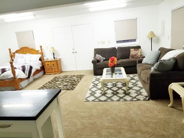 Private Guest Studio, close to CNU