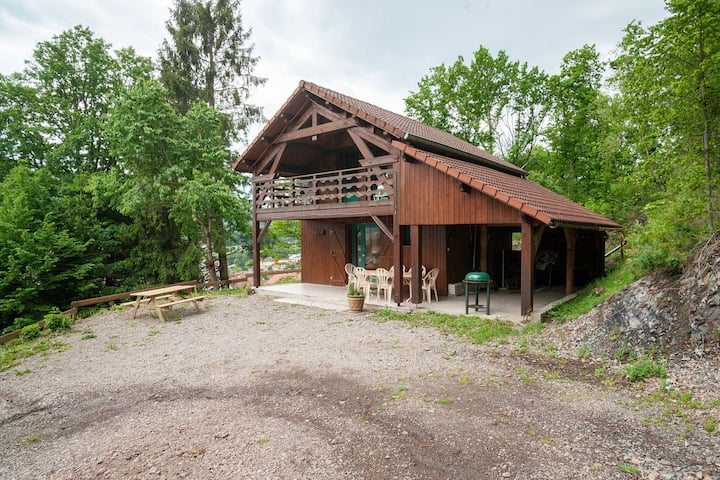 Authentic chalet in a unique location, near the pistes in the heart of the Vosges