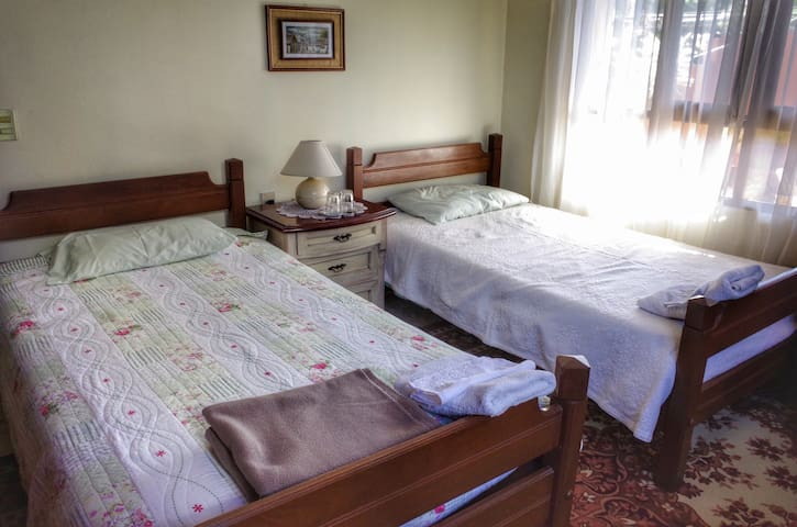 Habitación cómoda  para 2 personas - Cochabamba - House