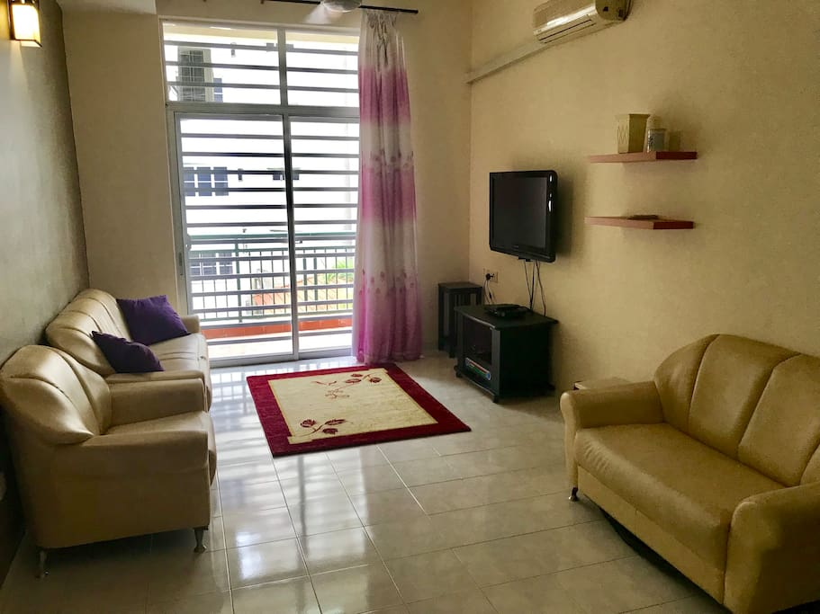 Living area with aircond