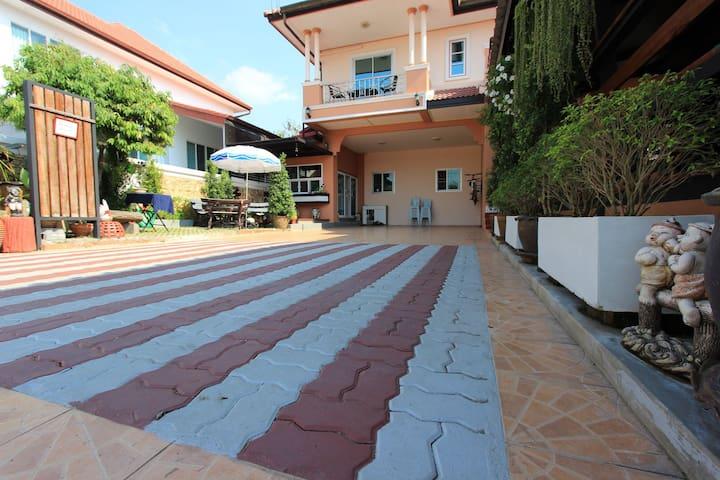 Baan Hmon Non-Lay Sattahip บ้านหมอน นอนเล สัตหีบ