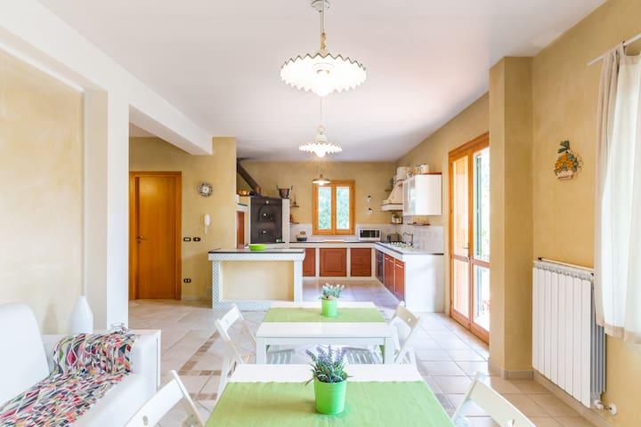 Casa immersa nella campagna - Ragusa