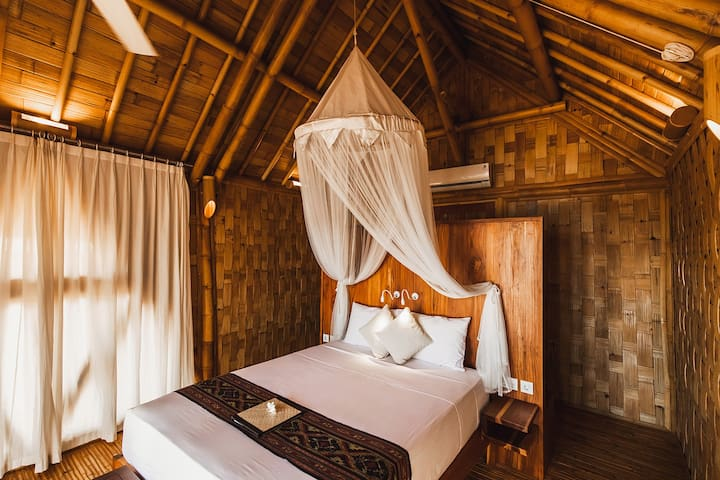 The Seraya Resort Komodo - Beachfront Bungalow #2