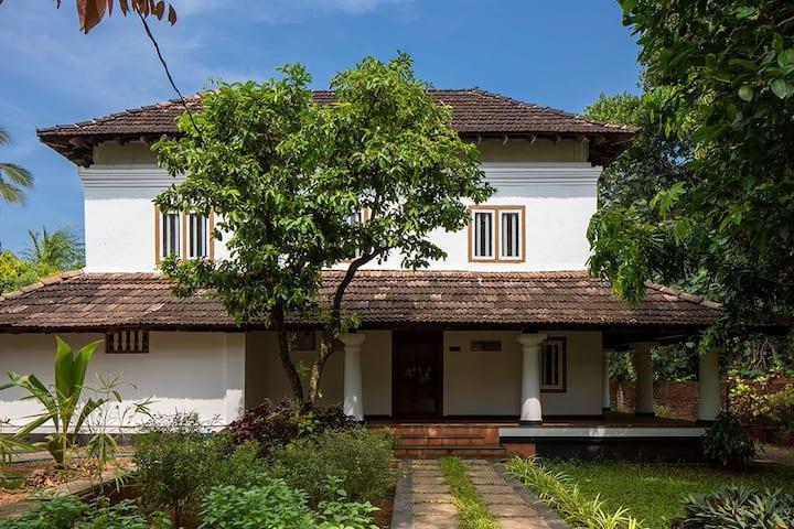 Kunnampath Heritage Nalukettu