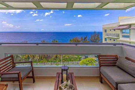 Charming Sea Side Apartment with Spectacular View