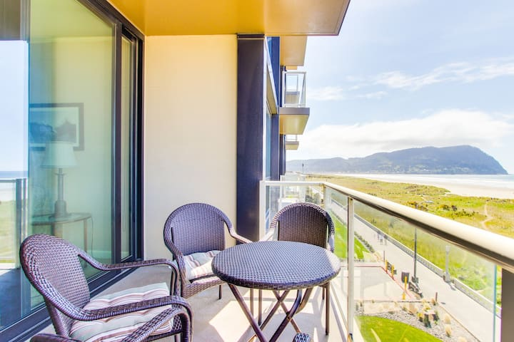 Elegant oceanfront condo w/shared pool & sauna! Just steps to the beach!
