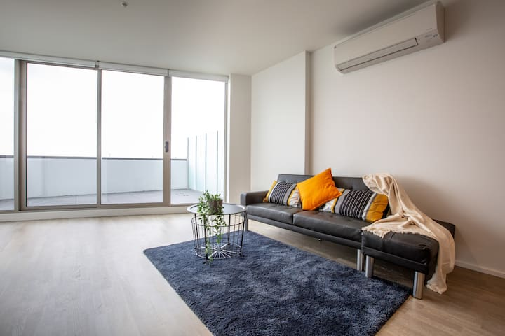 Brand New 2 Bed Room Apartment @ Maribyrnong