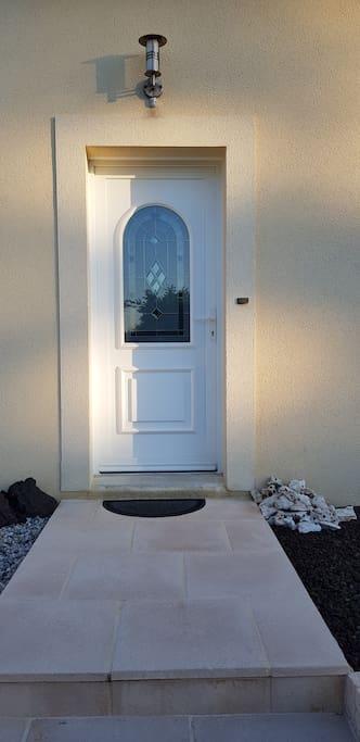La porte d'entrée principale