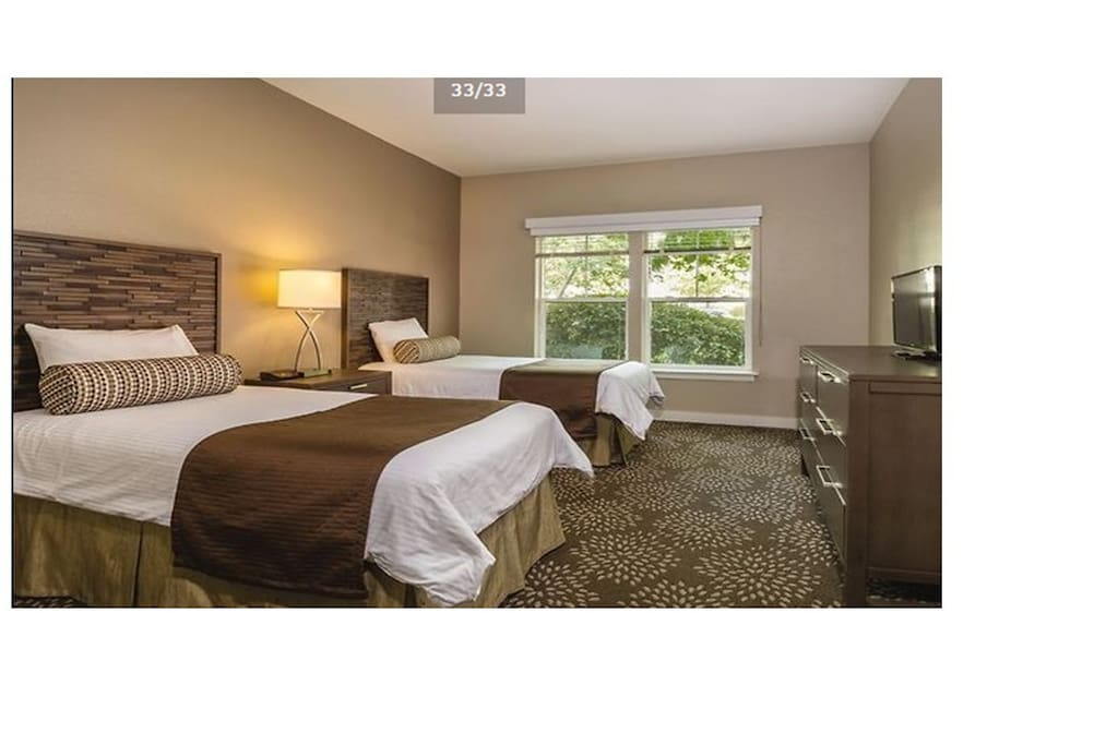 Spacious 2nd Bedroom with tv