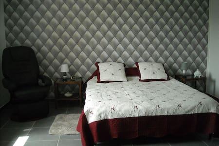 Appartement deux pièces - Sarlat-la-Canéda