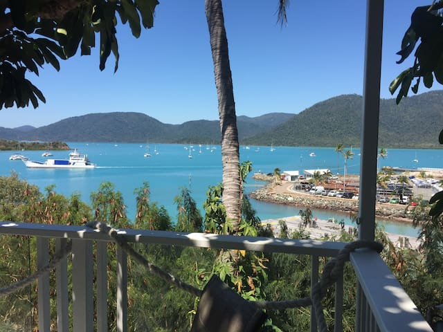 Yuengee 1. West Harbour View.  Waterfront, Pool.