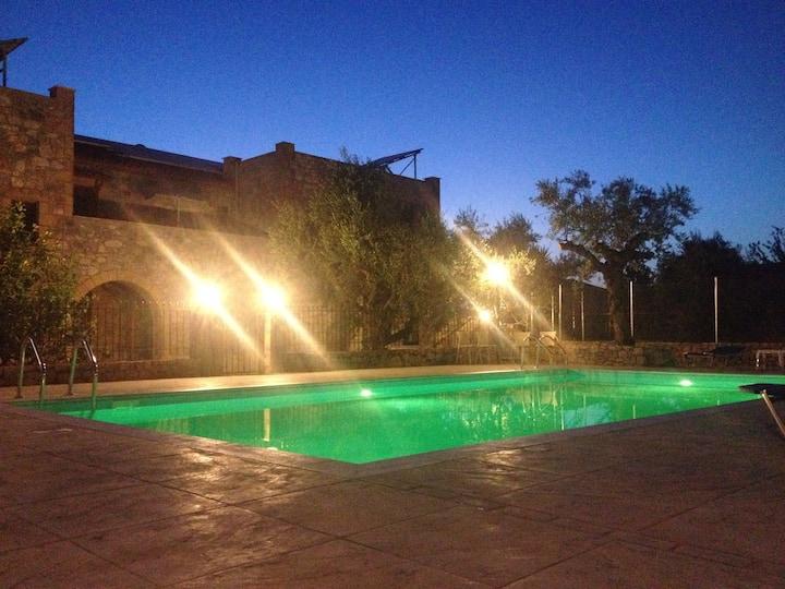 Io villa 2 a stone castle in Stoupa