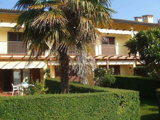 Stupenda villa indipendente a Puegnago del Garda - คาสเตลโล - บ้าน