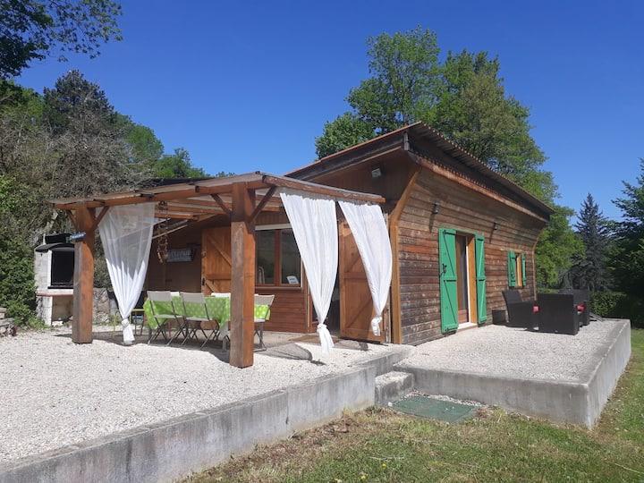 Maison atypique,  calme nature et rivière