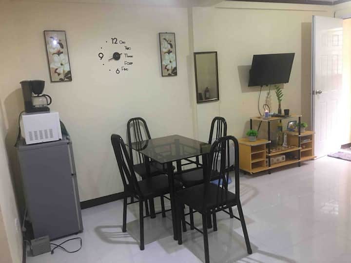 Affordable Townhouse /unlimited Internet&Tv cable