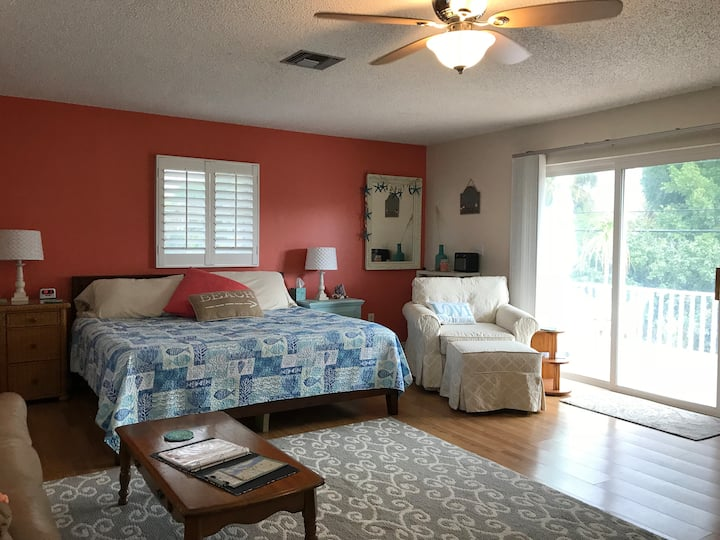 Beautiful Island Suite! Secluded beach! Pool!