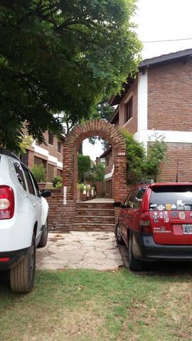 Duplex en Pinamar con parking - Pinamar - House