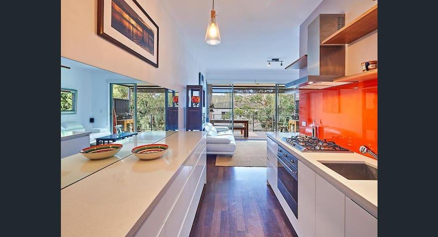 Beach retreat - walk to Sydney's famous beaches - Clovelly - Apartamento